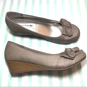 American Eagle Taupe Round Toe Wedge with Bow